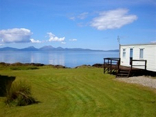 well kept grounds on holiday in argyll caravan park